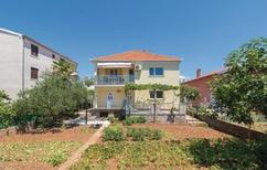 Ferienhaus 1230941 für 8 Personen in Zadar