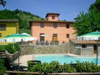 Ferienhaus 1238356 für 12 Personen in San Casciano in Val di Pesa