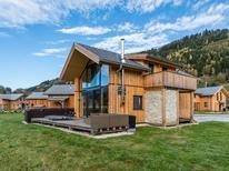 Vakantiehuis 1238896 voor 12 personen in Lärchberg