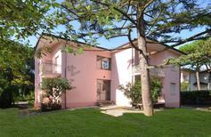 Ferienwohnung 1239474 für 6 Personen in Lignano Pineta