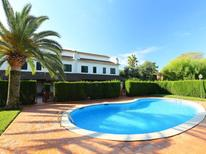Holiday home 1239940 for 8 persons in Cambrils