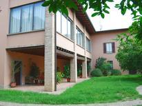 Ferienhaus 1240157 für 6 Personen in Capriolo
