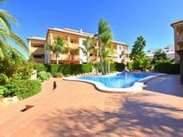 Appartement 1240233 voor 6 personen in Platja de l'Arenal