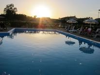 Ferienwohnung 1241259 für 4 Personen in San Leonardo di Cutro