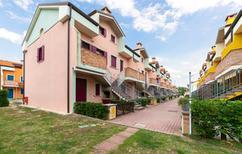 Ferienwohnung 1241545 für 6 Erwachsene + 1 Kind in Rosolina Mare