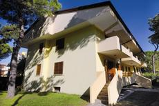 Holiday apartment 1241760 for 9 persons in Lignano Sabbiadoro