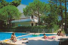 Ferienwohnung 1241763 für 6 Personen in Lignano Pineta