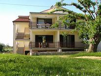 Ferienwohnung 1242556 für 5 Personen in Volparija