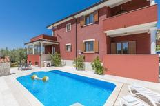 Ferienwohnung 1245774 für 8 Personen in Bužinija