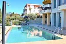 Ferienwohnung 1246097 für 4 Personen in Torri del Benaco