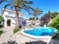 Villa 1246504 per 8 persone in Pinós de Miramar
