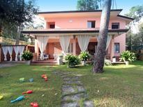 Vakantiehuis 1246566 voor 6 personen in Forte dei Marmi