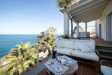Gemütliches Ferienhaus : Region Aspra für 7 Personen
