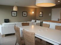 Appartement 1250118 voor 6 personen in Bredene