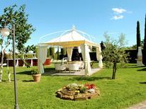 Vakantiehuis 1252306 voor 10 personen in San Salvatore