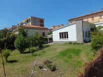 Villa 1256647 per 9 persone in Marina di Campo