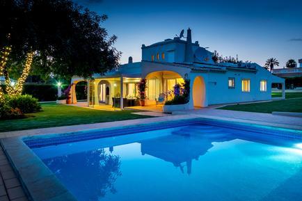 Gemütliches Ferienhaus : Region Algarve für 10 Personen