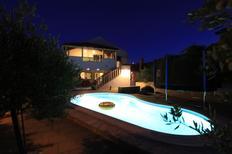 Vakantiehuis 1257643 voor 14 personen in Selca
