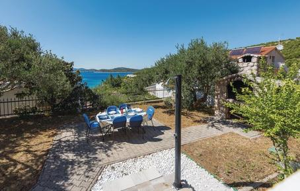 Für 6 Personen: Hübsches Apartment / Ferienwohnung in der Region Šibenik-Knin
