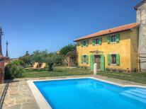 Vakantiehuis 1261547 voor 8 personen in Lopar