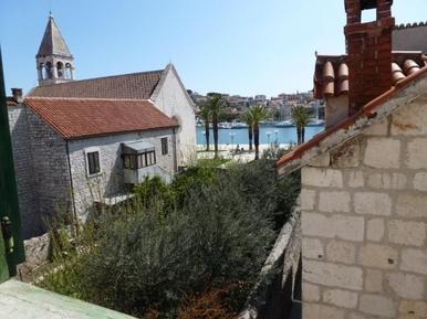 Für 2 Personen: Hübsches Apartment / Ferienwohnung in der Region Trogir