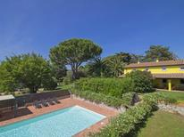 Holiday home 1263650 for 10 persons in San Vincenzo