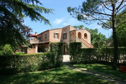 Gemütliches Ferienhaus : Region Foiano della Chiana für 18 Personen