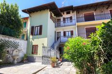 Ferienwohnung 1265127 für 6 Personen in Magognino