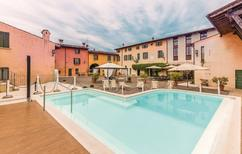 Semesterlägenhet 1265753 för 4 personer i Peschiera del Garda