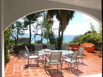 Ferienhaus 1269687 für 8 Personen in Acciaroli