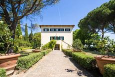 Vakantiehuis 1269886 voor 10 personen in Montecatini Val di Cecina