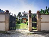 Ferienhaus 1270994 für 11 Personen in Palmi