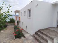 Vakantiehuis 1273628 voor 6 personen in Maslenica
