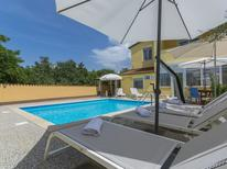 Ferienwohnung 1275140 für 4 Personen in Brčići