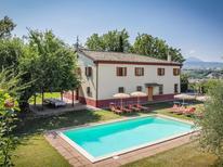 Vakantiehuis 1275143 voor 14 personen in Pergola