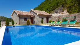 Villa 1275258 per 2 persone in Virpazar