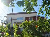 Appartement 1275838 voor 5 personen in Bibinje