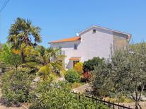 Holiday apartment 1276515 for 5 persons in Brzac