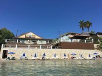 Semesterhus 1280245 för 16 personer i Agios Sostis