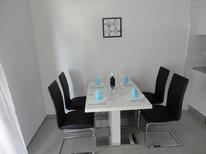 Apartamento 1281039 para 4 personas en Gdinj