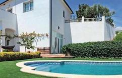 Appartement 1281767 voor 6 personen in Sant Cebrià de Vallalta