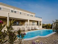 Vakantiehuis 1282396 voor 8 personen in Debeljak