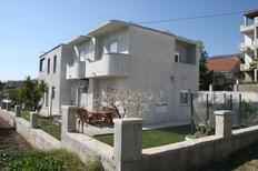 Appartamento 1283080 per 5 persone in Kaštel Gomilica