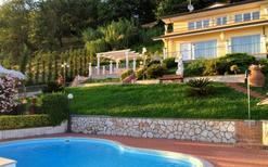Casa de vacaciones 1290375 para 8 personas en Massarosa