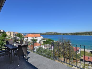 Für 6 Personen: Hübsches Apartment / Ferienwohnung in der Region Sibenik