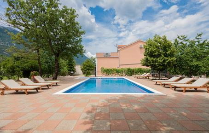 Gemütliches Ferienhaus : Region Makarska Riviera für 16 Personen