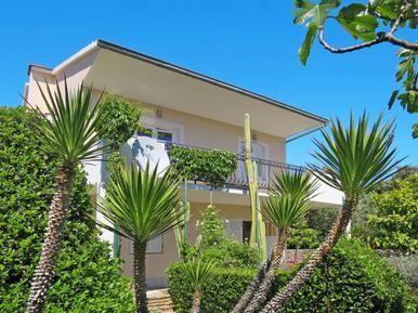Gemütliches Ferienhaus : Region Trogir für 7 Personen