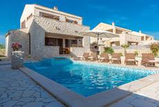 Ferienhaus 1291867 für 8 Personen in Privlaka