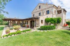 Ferienhaus 1292358 für 14 Personen in Fermo