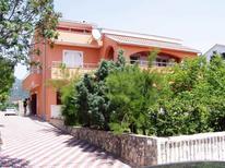 Ferienwohnung 1292467 für 9 Personen in Novi Vinodolski